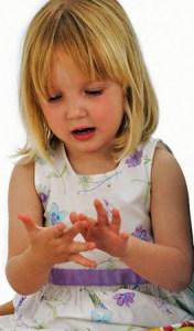 Mala Marija, kćerka predsjednika izbornog povjerenstva, u vrtiću je naučila brojati na prste obje ruke pa je mogla pomoći tati zbrojiti glasove