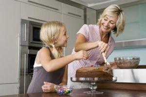 ''I onda, kad diplomiraš, pronađeš posao i postaneš sasvim samostalna, napraviš kolač da obitelj uvjeriš kako se možeš udati'' davno je VIti objasnila majka.