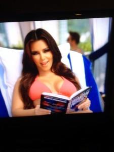 Amerika ne pamti ovakav skandal još otkad se pojavila snimka na kojoj Kim Kardashian čita knjigu, o čemu ste već mogli čitati na Sprdexu (http://sprdex.com/2013-07/skandal-koji-prijeti-krajem-karijere-procurile-snimke-na-kojima-kim-kardashian-cita-dostojevskog/)