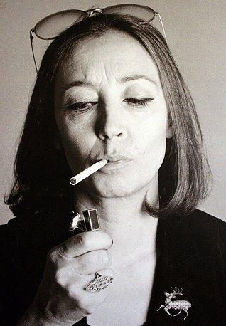 Nakon što je uvrijeđen izletio kroz vrata Oriana je zapalila cigaretu, stavila sunčane naočale i rekla: ''Homeini? Meni ovo više izgleda kao HOMOini''. Ovo laž je toliko dobra da bi trebala postati dio službene verzije priče o Oriani