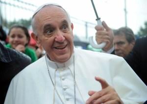 ''Nakon fijaska s papom Franjom, za kojeg uopće sumnjam da je katolik, drago mi je da smo silama zla uzvratili tamo gdje ih najviše boli - našim čovjekom na poziciji od utjecaja na obrazovanje i znanost'' jedan je od komentara na izbor novog rektora koji će večeras biti objavljen u Dnevniku NoveTV.