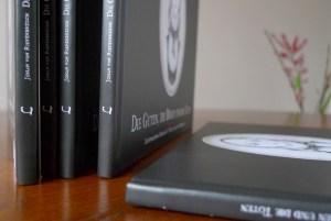 """Buchgestaltung für den Verlag """"das wilde Dutzend"""""""