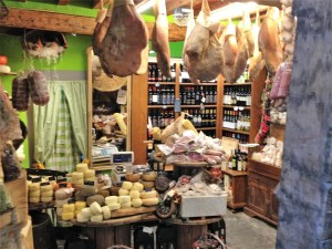 Enticing shop in Arezzo