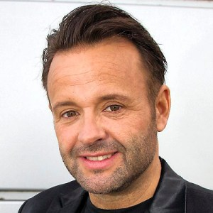 Dennis Knudsen, stylist, make-up-artist og frisør