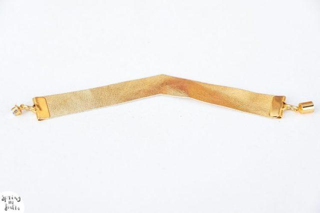 bracelet cuir gold fleche (terminé)