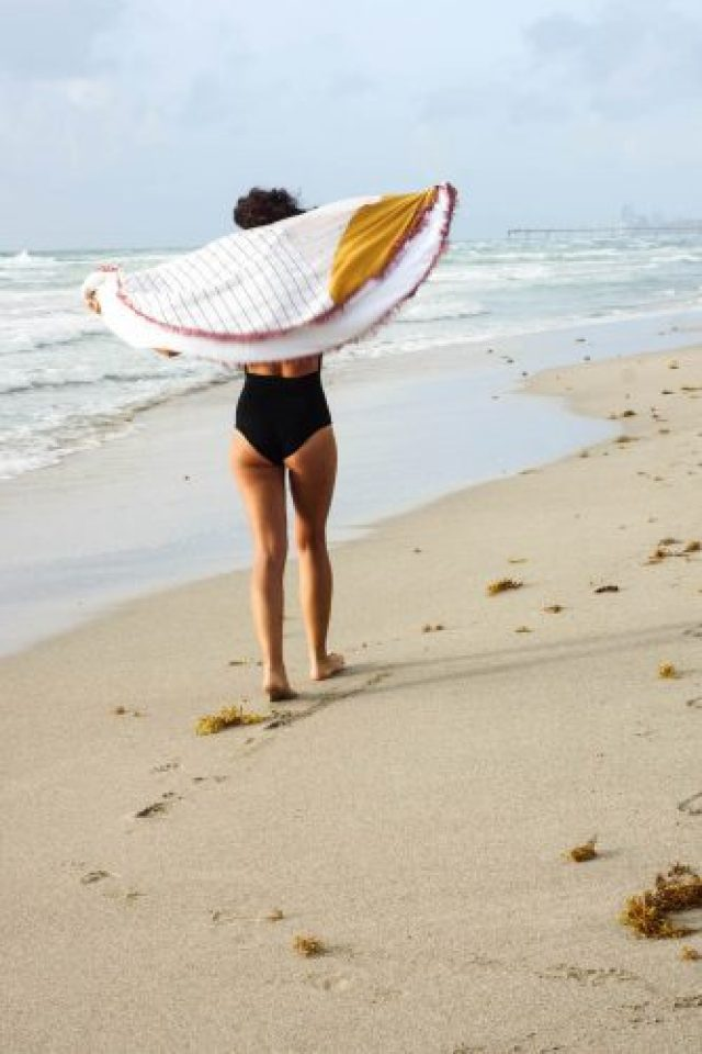 DIY geometric round towel