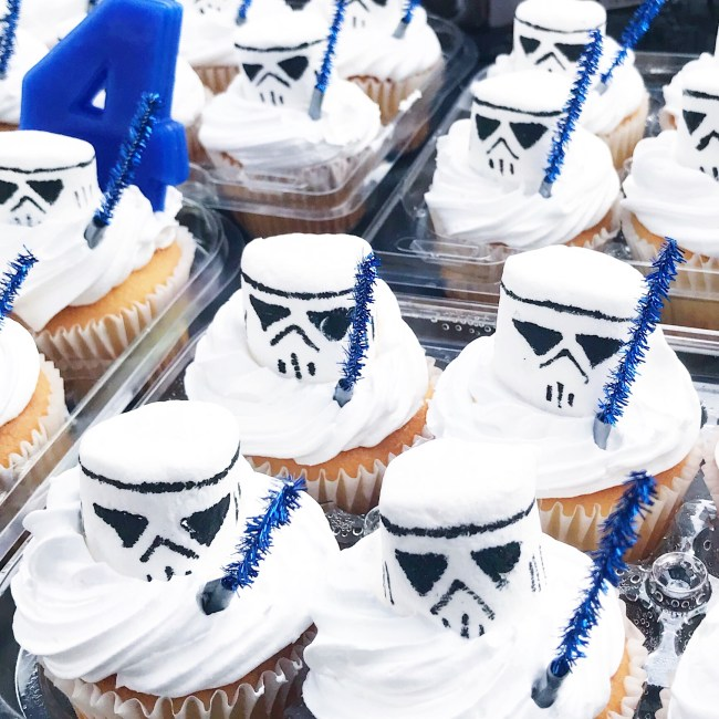 DIY Stormtrooper and lightsaber cupcake toppers