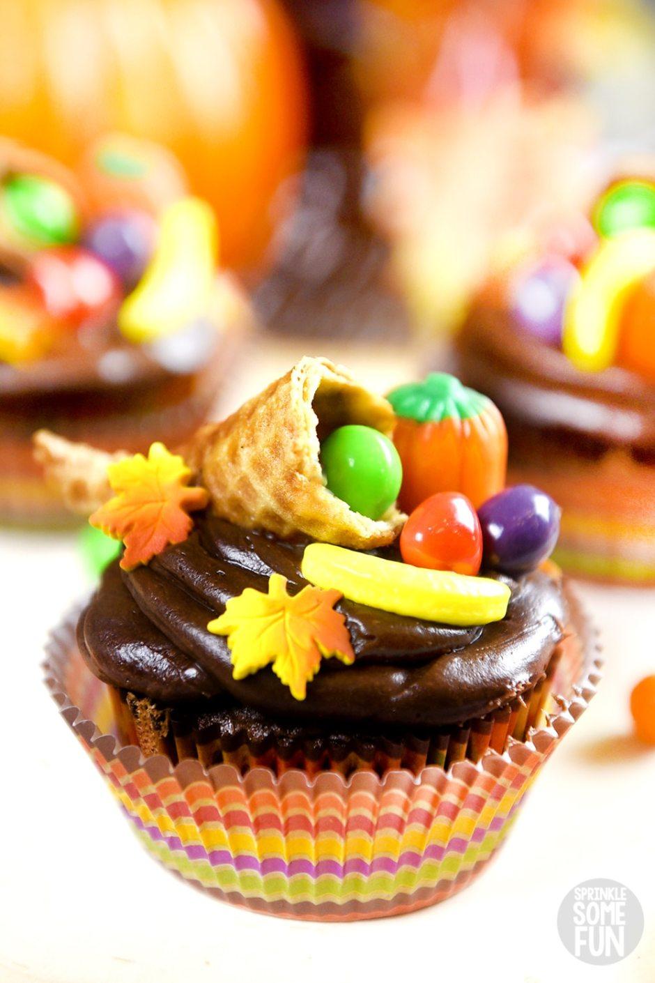 Thanksgiving Cupcakes with Cornucopias