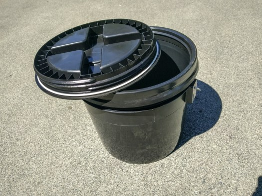 3 gallon bucket with Gamma Seal lid