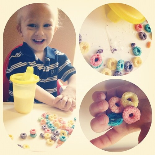 Feeding the toddler & baby Fruit Loops because I'm my own worst enemy.