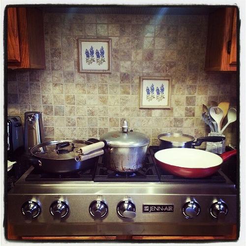 Third Thanksgiving. Nana's stove. #Thanksgiving #cooking