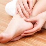 HOW-TO-SELL-FEET-PICS-sproutmentor-featured-image