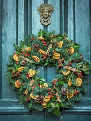 Christmas-Crafts-to-sell-Christmas-wreath-hoop