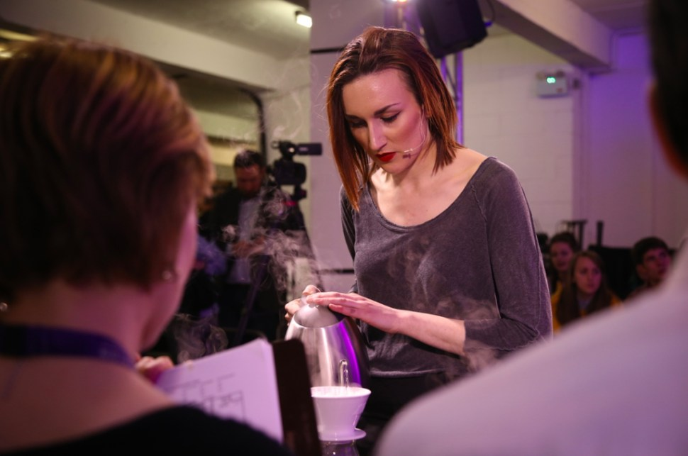 alison-bell-blk-coffee-ukbc-brewers-cup-finals-2016-01