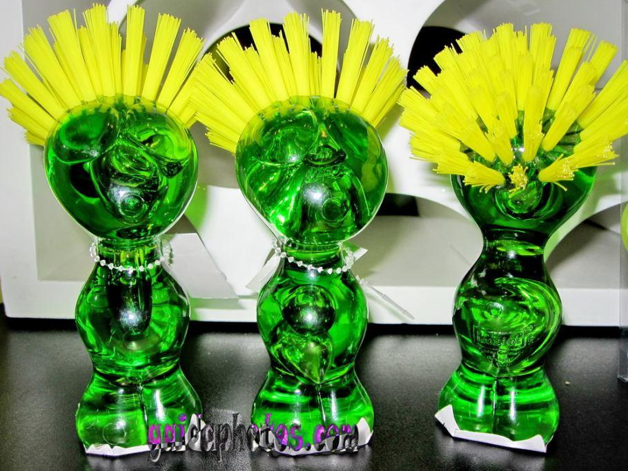Lustige Bilder für Kollegen - grüne Bürsten
