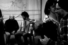 Danilo donninelli suonatori tradizione marche - festa a ballo (30)