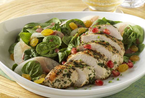 asian_pear,_spinach__golden_raisin_salad_with_pomegranate-mustard_dressing_and_herb_crusted_chicken