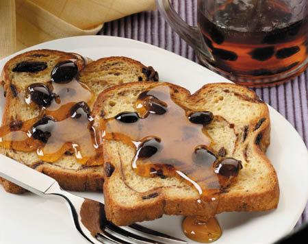 easy_oven-baked_french_toast_with_raisin_syrup