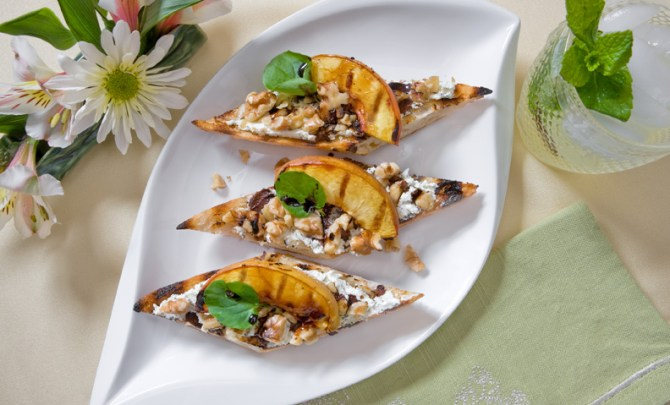grilled_open_faced_herbed_goat_cheese_sandwich_with_nectarines_and_walnuts