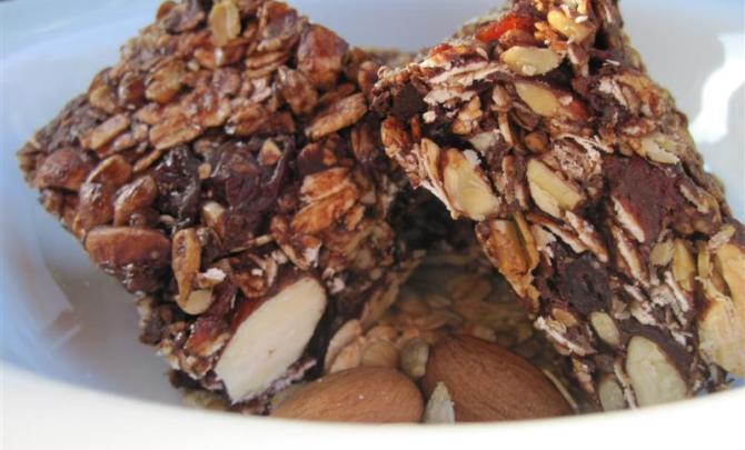 dark_chocolate,_cherry_granola_bars