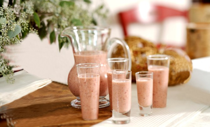 strawberry-kiwi-smoothie-easy-health-quick-breakfast-snack-dessert-recipe-spry
