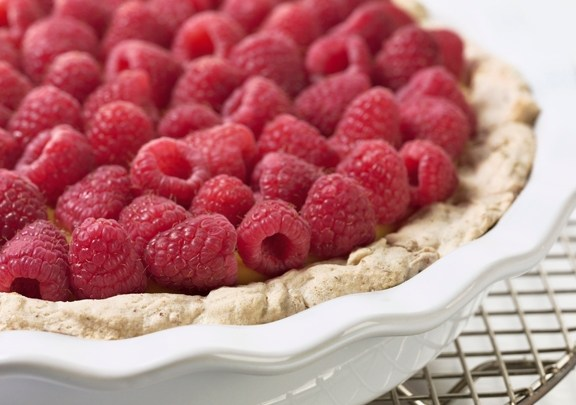 berry-topped-pudding-pie-relish-recipe