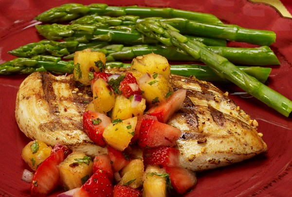 grilled-chicken-pineapple-strawberry-salas-relish-recipe