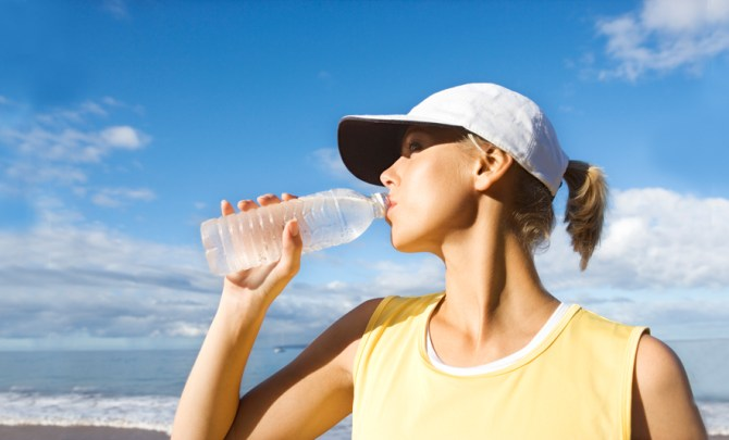 importance-water-value-benefit-health-dehydration-heat-wave-prevent-spry