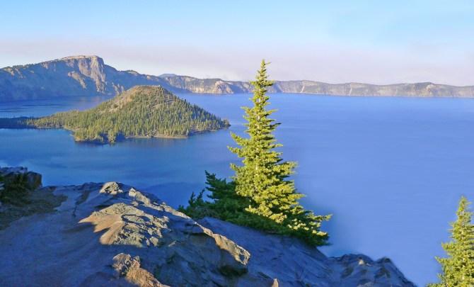 wizard-island-discovery-point-trail-oregon-walk-hike-spry.jpg