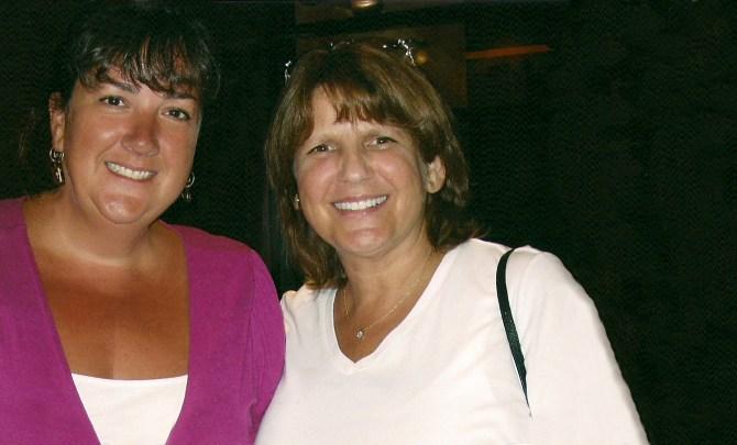 donor-sister-bone-marrow-transplate-health-lukemia-cancer-spry