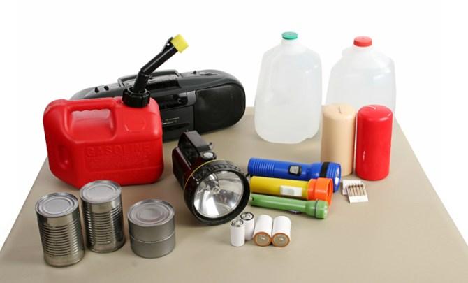 emergency-plan-essential-supply-list-good-thing-prepare-kit-plan-spry