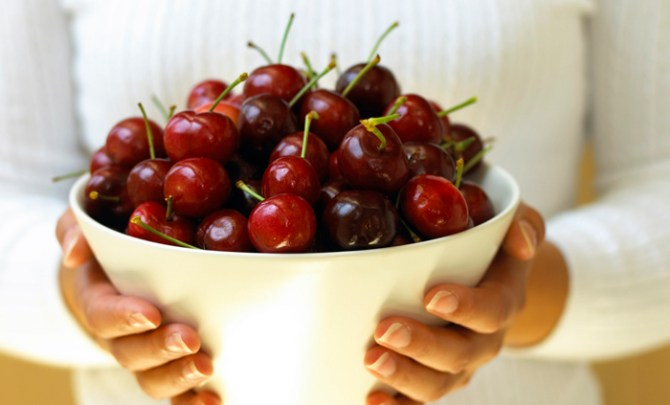 health-benefit-cherry-stone-tree-fruit-produce-diet-eat-food-nutrition-spry