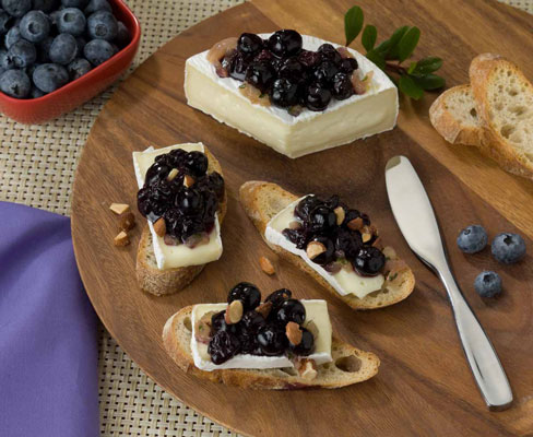 brie_blueberry_compote