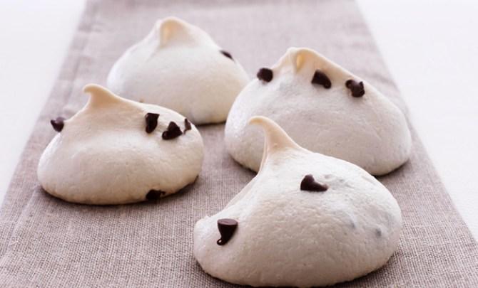 mini-chocolate-chip-meringue-cookies-robin-miller-takes-five-5-ingredient-health-food-network-star-spry
