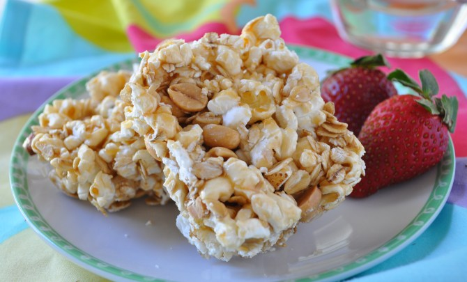 caramel_popcorn_peanut_bars-brunch