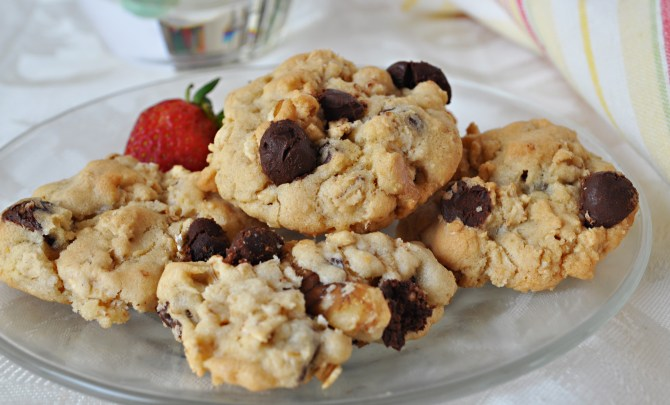 chocolate_chip_oatmeal_cookieessweet