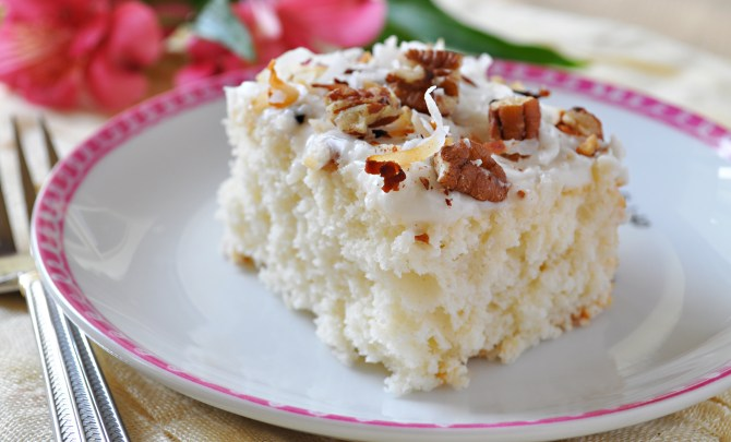 easy_coconut_cakeedsweet
