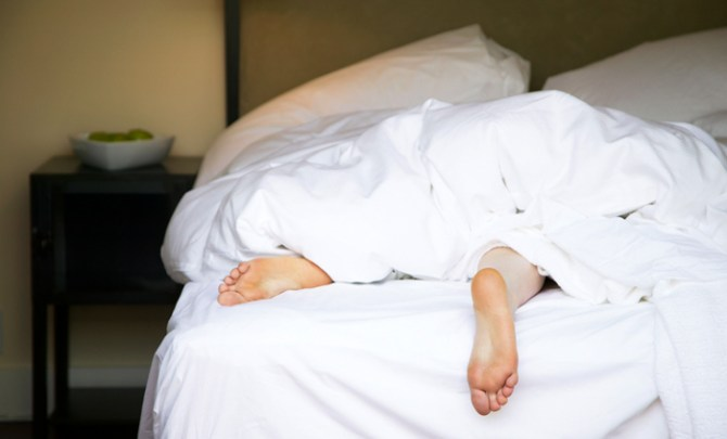restless-leg-syndrome-cause-help-treat-prevent-health-spry