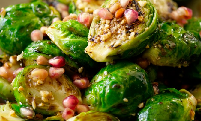roasted-brussel-sprouts-bobby-flay-food-network-star-recipe-seafood-appetizer-salad-health-bar-americain-spry