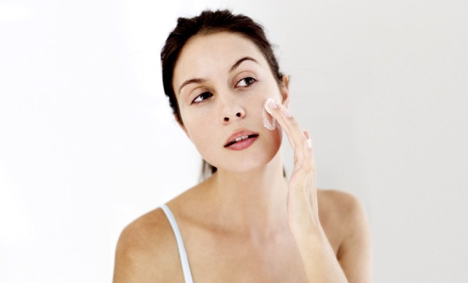rosacea-cause-avoid-tip-help-prevent-skin-care-beauty-winter-spry