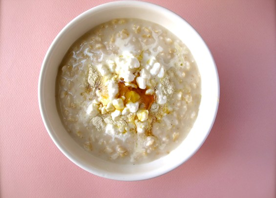 o19-oatmeal-topping-health-breakfast-cottage-cheese-protein-spry