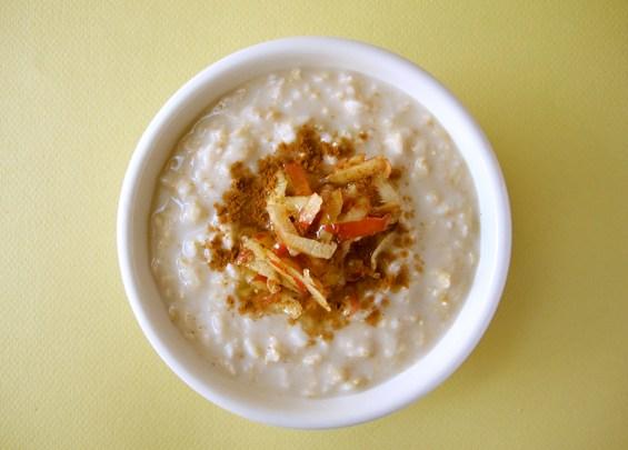 o28-oatmeal-topping-health-breakfast-apple-honey-spry