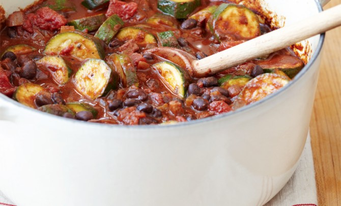 mole-chili-black-beans-andouille-weeknight-fresh-fast-diet-nutrition-cookbook-health-spry