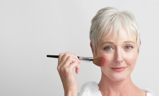 10-Reasons-You-Dont-Need-A-Facelift-Spry.jpg