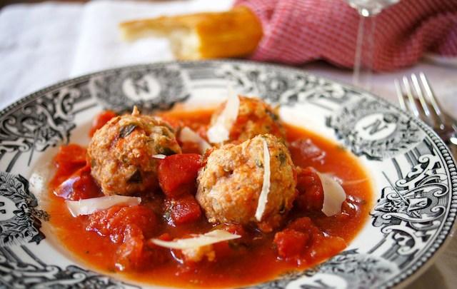Easy slow cooker Italian turkey meatballs recipe.