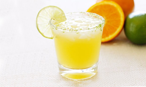 A low-calorie Citrus Margarita Spritzer from Skinny Taste.