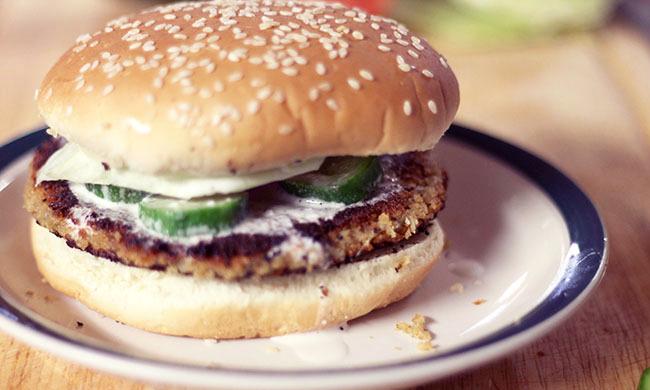 Falafel-Burger-Vegetarian-Chickpea-Health-Middle-Eastern-Spry