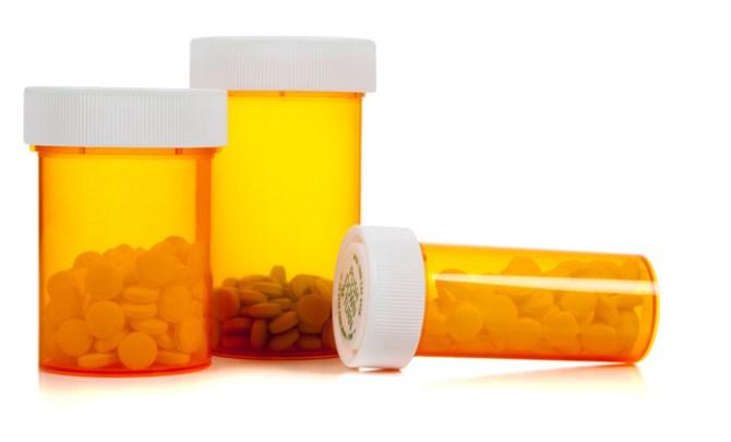 painkiller-pills-bottles