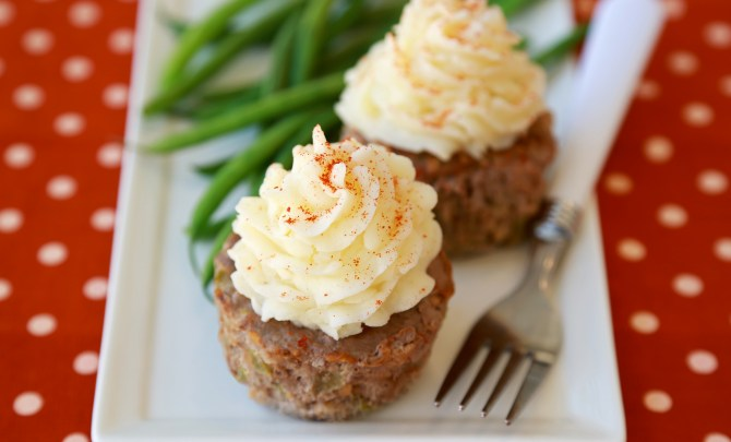 Mashie-Topped Meatloaf Cupcakes_Final