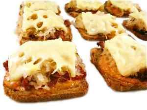 mini-reuben-appetizers-photo-1-300x2251-1